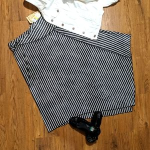 NWT One World Live and Let Live Skirt, med